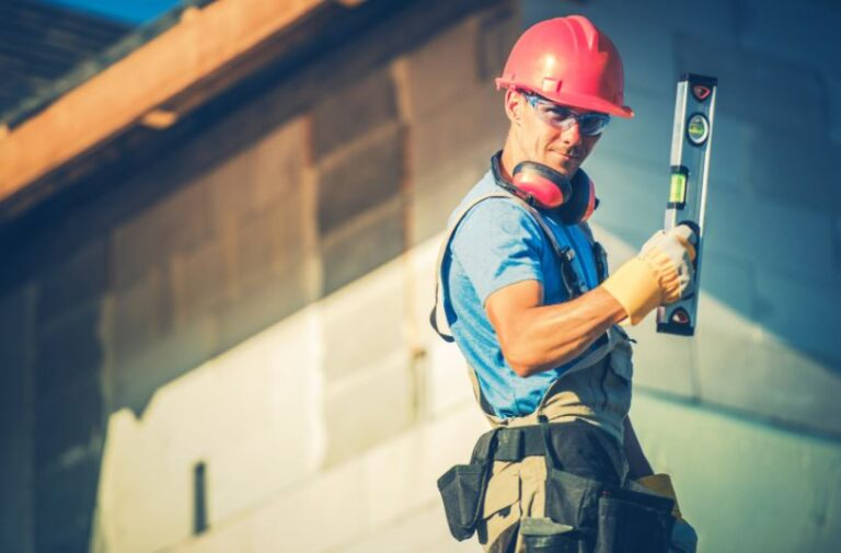 Tips For Construction Workers To Stay Cool In Extreme Heat